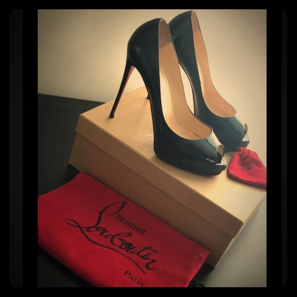 finest selection 1cab1 c0ab4 CHRISTIAN LOUBOUTIN - Very Prive Peep Toe Pumps
